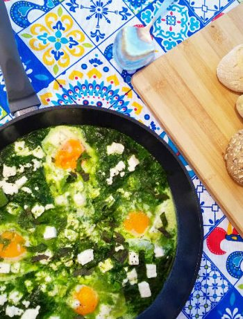 Green Shakshuka with spinach